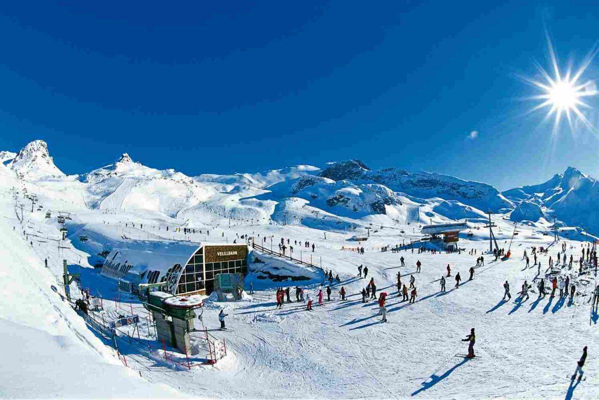 winter-activities_08-1200x802.jpg