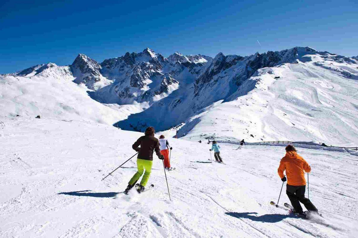 winter-activities_10-1200x798.jpg