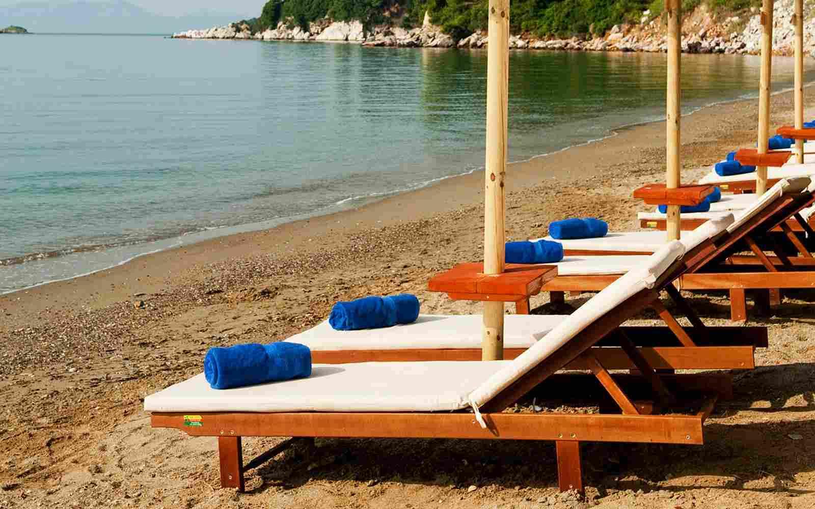 http://bamboogardenhouse.com/wp-content/uploads/2016/03/summer-beach-02.jpg